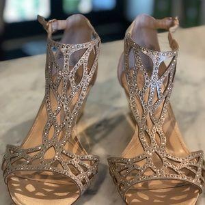 NWOT Imagine Vince Camuto Jalen' Wedge Sandal